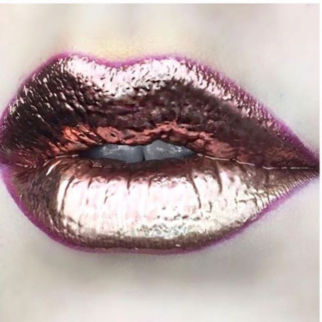 Enhance your beauty 💘 0.5ml of lip fillers will give you a beautifully defined natural look. Dr. Tatiana creates the perfect lip shape bespoke to each clients wants and needs 💘 • • • #lips #lipenhancement #fillers #skincare #beauty #aesthetics #AestheticArtist #harleystreet #doctor