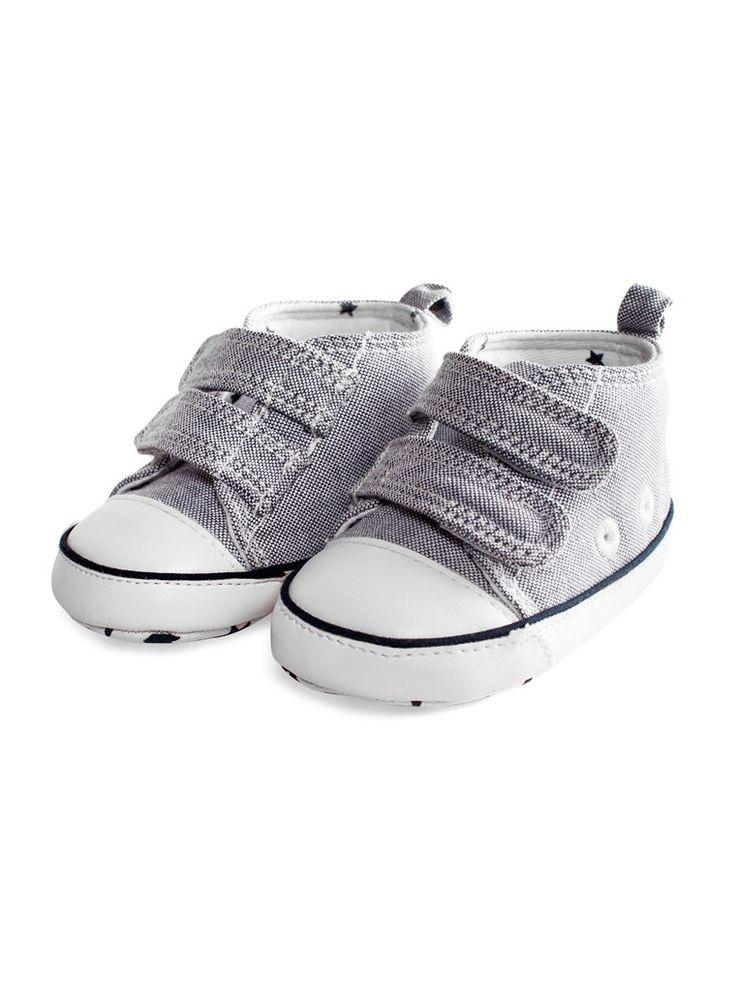 Vauvan kengät pehmeää puuvillasekoitetta. - Tarranauhakiinnitys edessä- Tähtikuvioinen liukueste