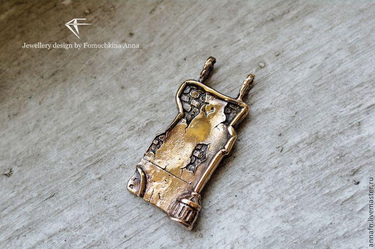 """Купить Подвеска """"Я там, где старые дома"""" - серебро, подвеска, Санкт-Петербург, дворы"""