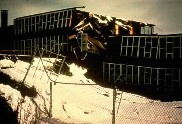 The 1964 Alaska earthquake destroyed an apartment building and a school was broken in half.