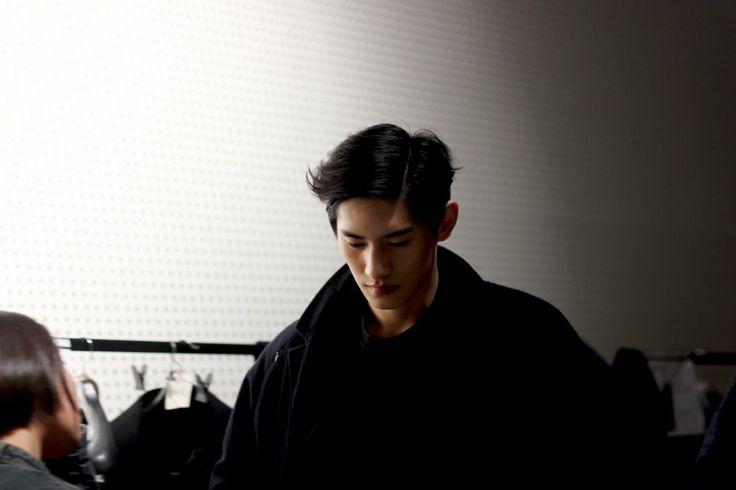 Kim Tae Hwan at ROLIAT 2014 Fall/Winter Backstage #taehwan #korean #model #fashion