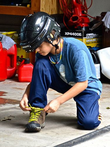 How to Keep your Kid's Feet Dry and Safe While Traveling http://travelexperta.com/2014/08/boys-hiking-boots.html #productreview
