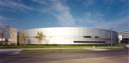 http://www.solarquot.es/TandemPerovskiteSolarCells Oxford PV in German research deal for tandem perovskite solar cells | eeNews Europe
