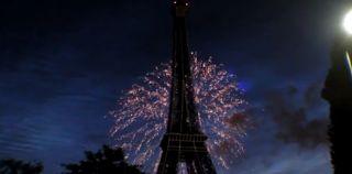 La torre Icffel un lugar  bello y  emblematico  que no  podiamos dejar de visitar, tambien se viste de navidad