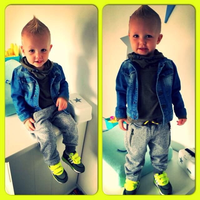 My nephew, loves what he is wearing! | Felies01 |
