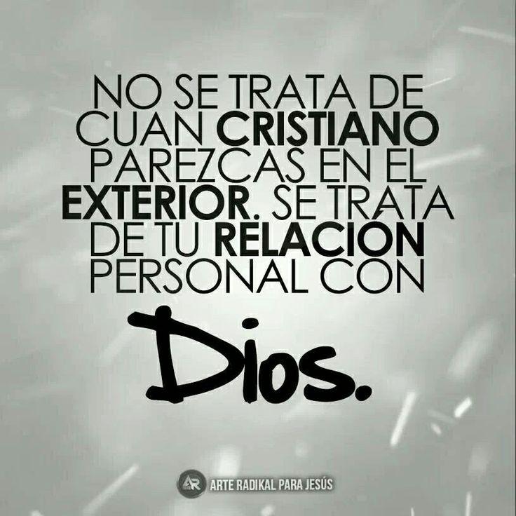 Definitivamente, la relación con Dios es lo más intimo y preciado que se tiene, nada que ver con andarlo presumiendo... sino asumiendo.
