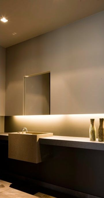 Some gorgeous minimalism from Interieur architect Frederic Kielemoes.