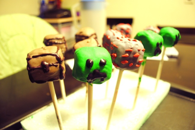 Minecraft cake pops