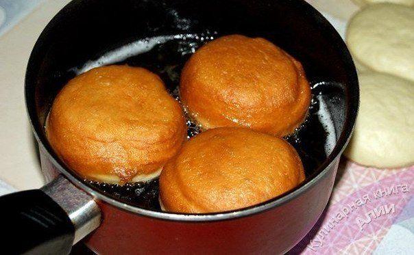 Самые вкусные пончики Ингредиенты Тесто Молоко - 500 мл.
