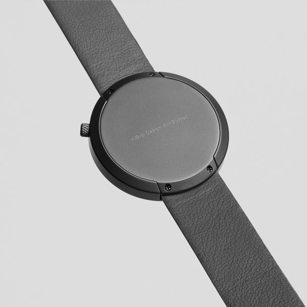 Facette is the second watch from Danish watch brand bulbul. The watch is the result of a collaboration with the idea-based Danish design studio KiBiSi.