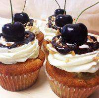 Ideal Miss Cupcake Berlin hausgemachte Cupcakes Petit Fours Torten und Kuchen