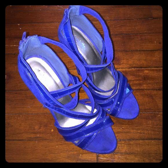 Navy blue strappy heels. Charlotte Russe Navy blue suede strappy heels. Charlotte Russe Shoes Heels