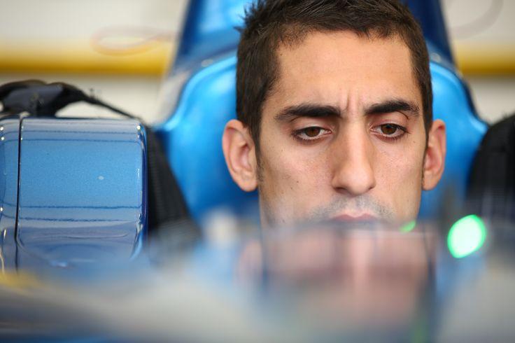 Sebastien Buemi edams Renault FIA Formula e