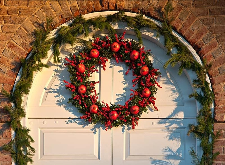 Natural Wreath By Colonial Williamsburg