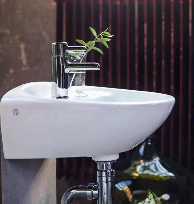 Handfat (< 50 cm bredd) Estetic  är enkel att städa. Med Ceramicplus städar snabbt & miljövänligt.