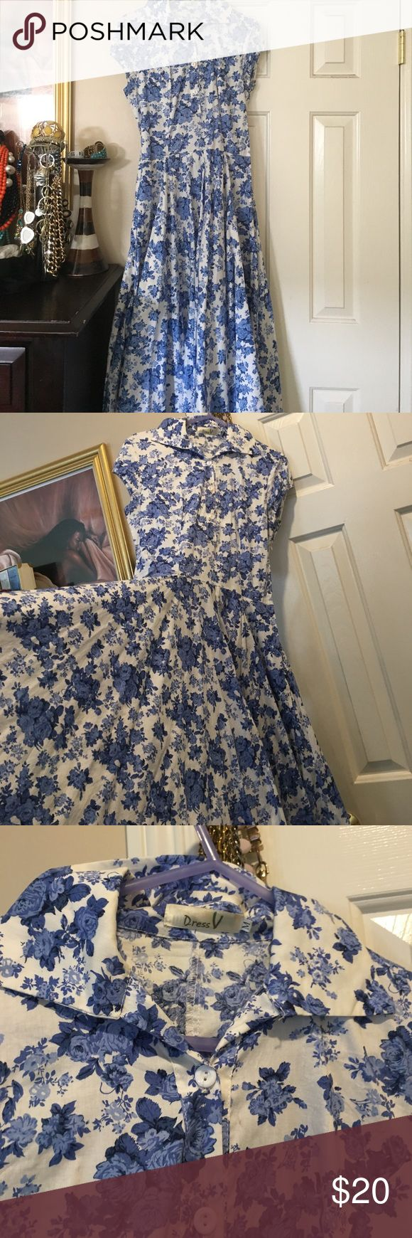 Blue and White Vintage Dress In good condition Dresses