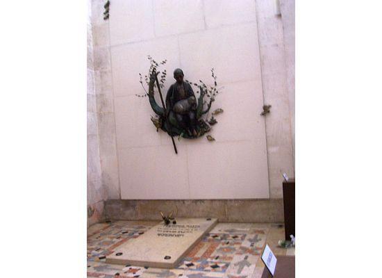 portugal fatima the shepherds tomb
