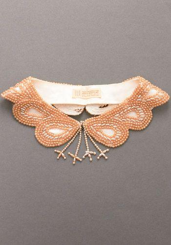 Vintage collar, so pretty