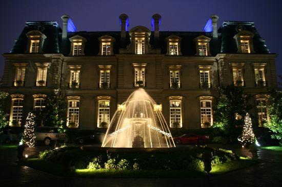 Stay at Saint James Paris - Relais et Chateaux