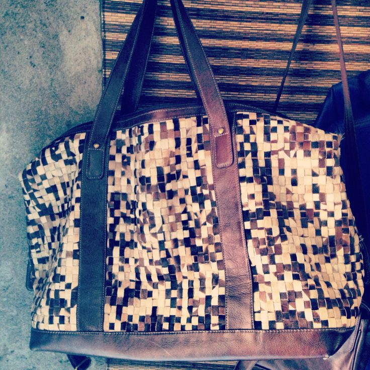 GUNKS-Travel Leather Bag- IDR 2.000.000