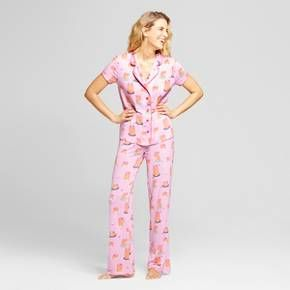 It's never too late to start dreaming about breakfast, especially when you're cuddled in your Short-Sleeve Pajama Set from Nite Nite Munki Munki®. This light pink PJ set features a fun pancake pattern that extends from the short-sleeve button-down pajama shirt to the cozy pajama pants. Wear this coordinating set together or mix and match with other pajamas when you want to switch things up a bit.