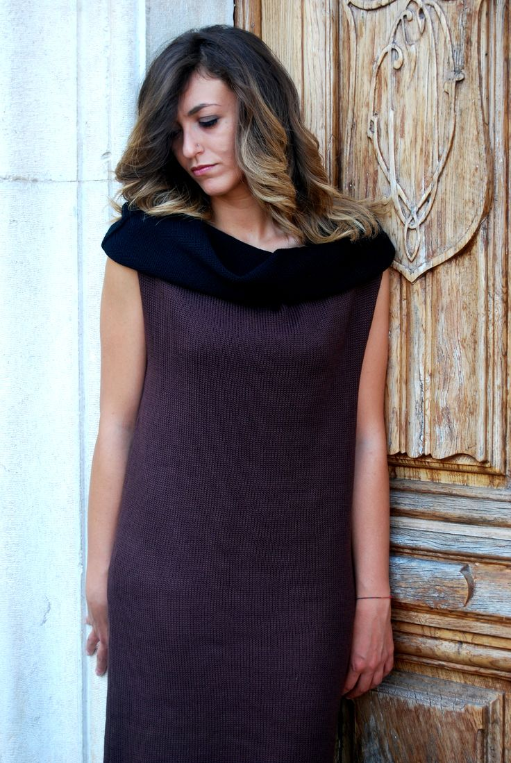 Capsule collection '100% wool from Basilicata' 2014. MONONIKI. Dress with classic and simple lines. A linear shift dress to wear full-lenght or simply as a t-shirt or as a scarf. Handmade, 100% made in Italy. #homimilano #mononiki #nicolettafasani #wool #Basilicata #Italy #madeinitaly #italianfashion #dress #handmade #scarf  #tshirt