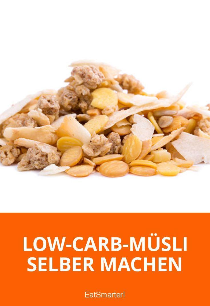 Low-Carb-Müsli selber machen – So vermeidest du zugesetzte Zucker und Kohlenhydrate: Abgepacktes Müsli aus dem Supermarkt mag zwar lecker sein, ist aber auch ziemlich zuckerreich. Neben Zucker bestehen diese Müslis zu einem Großteil aus Haferflocken – eine kohlenhydratreiche Kombination. Dabei ist Low-Carb-Müsli selber machen total einfach und das Beste: Sie können selbst entscheiden, welche Zutaten in Ihrem morgendlichen Müsli landen. So haben Sie die volle Kontrolle über den Zucker- und…