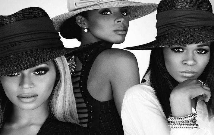 È ufficiale ormai: le Destiny's Child, il trio con cui Beyonce e Kelly Rowland si sono formate e si sono fatte conoscere dal grande pubblico, si è riformato e ritornerà dal vivo durante la performance di Beyonce nell'intervallo del seguitissimo Superbowl (la finale di campionato di football americano della lega professionistica NFL).