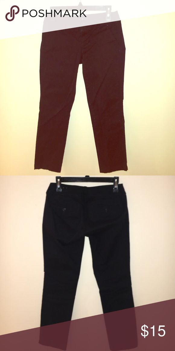 AE black khakis Black skinny khaki pants from American eagle. Size 0 length approx 26in. American Eagle Outfitters Pants Skinny