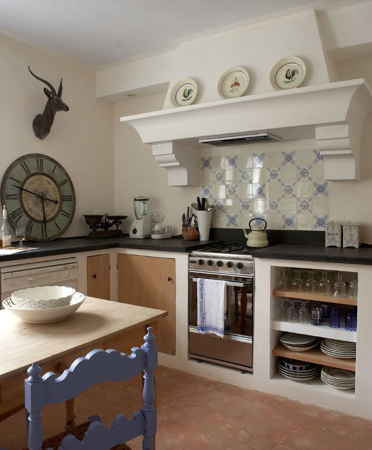 European Kitchens: Enjoy A Nice French Kitchen Backsplash By Using Ceramic