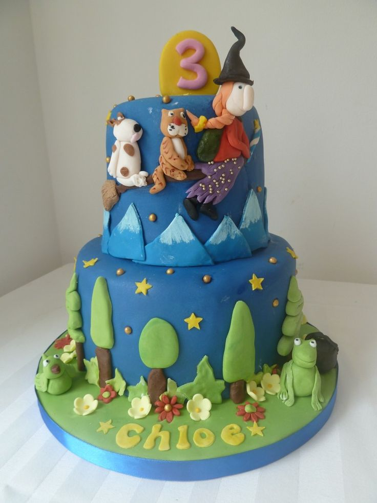Room On The Broom Birthday Cake - Wedding and Birthday Cakes in Whitley Bay, North Shields, Tynemouth, Newcastle, Wallsend, Blyth & Cramlington