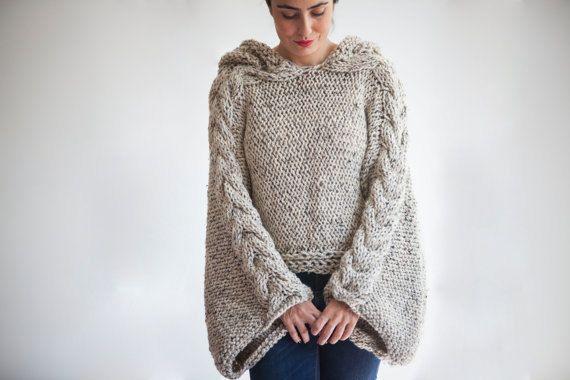 Deze capalet is hand breien met kabel brei patroon. Het is gemaakt met alpaca garens. Het heeft een capuchon. U kunt het op uw tops of jassen dragen. Het is zeer warm en gezellig. Ook kan ik deze capalet maken in elke gewenste kleur en uw maatregelen.  Het is omvangrijk.  Over grootte - Plus size.   Voor zien van onze winkel: http://www.etsy.com/shop/afra  Vragen, gewoon convo.   ---Maakte in een huisdier-vrij en rook-vrij milieu.---  ---Alle hand haakwerk en hand gebreide items moet hand…