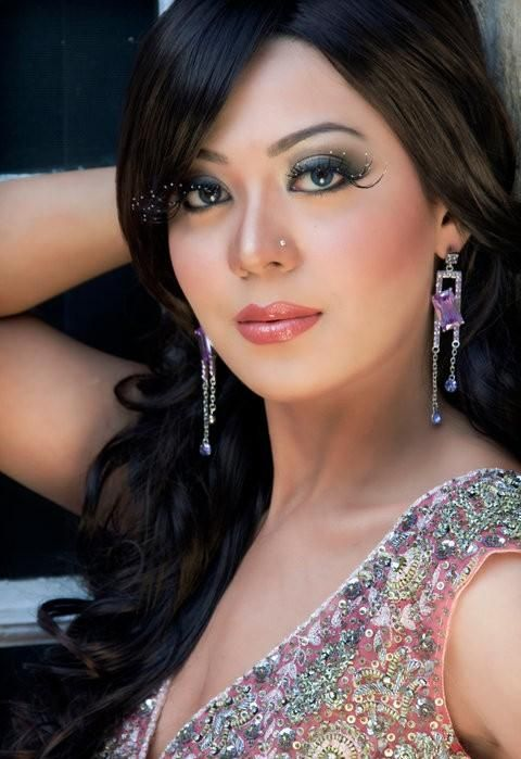 There Are Some Simple Makeup Tips For Wedding Party That You Can Try To See How You Look And You ...