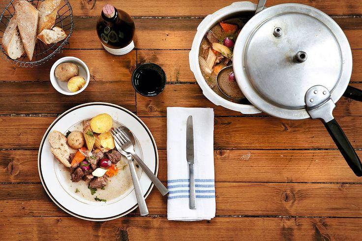 Molekylær gastronomi møter bestemors kjøkken når trykkokeren får sin renessanse.