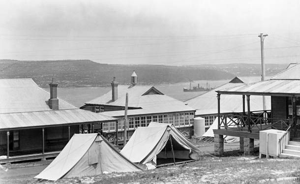 Houses and tents at North Head Quarantine Station, Sydney, 1932