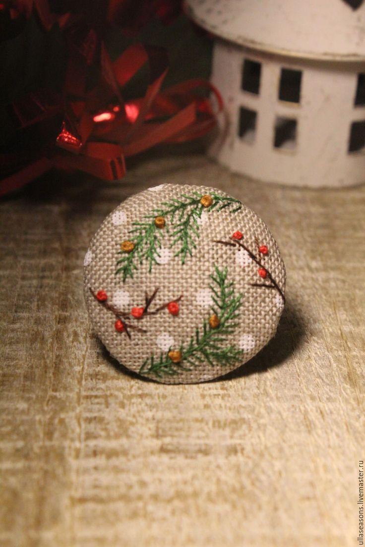 """Купить Брошь """"Зимняя"""" - комбинированный, брошь, вышитая брошь, текстильная брошь, украшение, вышивка, зима"""