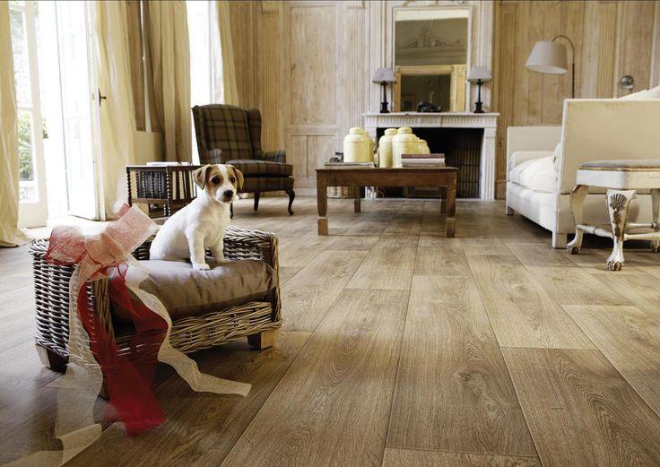 Covor PVC de culoare bej cu design autentic de podea de lemn.