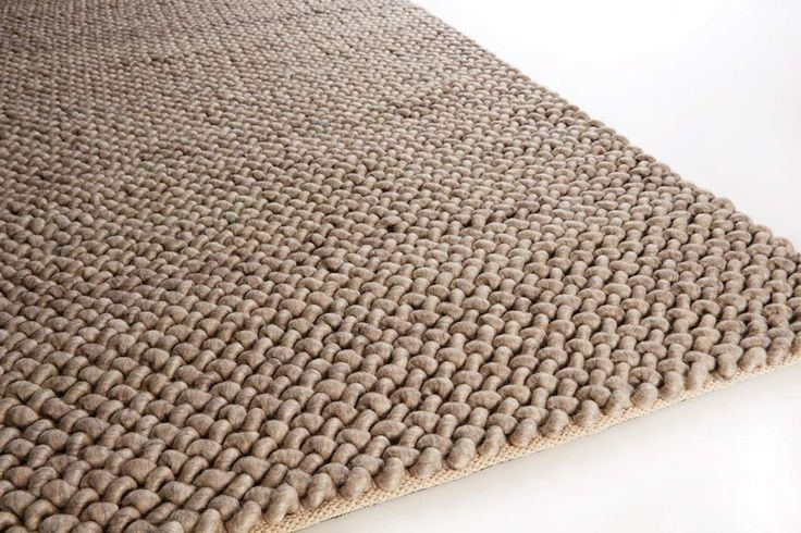 This Lisboa 830 carpet is designed in the Netherlands by BRINKER. Buy ONLINE or in our SHOP in Willebroek, with FREE delivery and return guarantee.