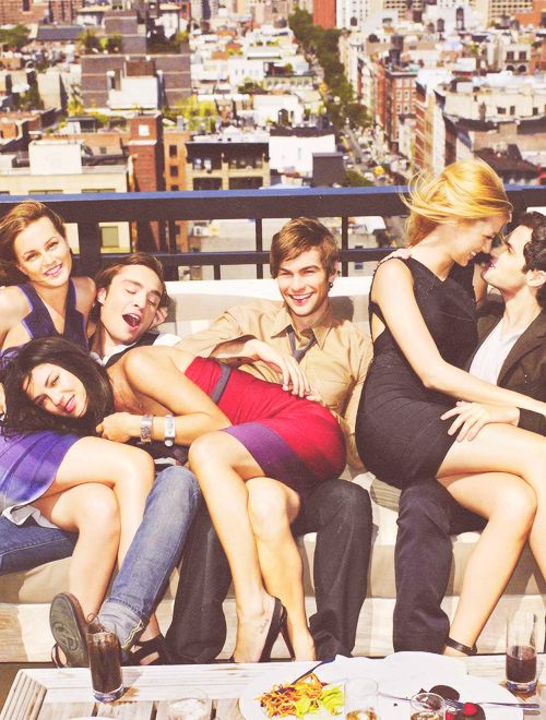 Gossip girl has recently become my life. Sad, but it's so irresistible. I love this show with a passion.