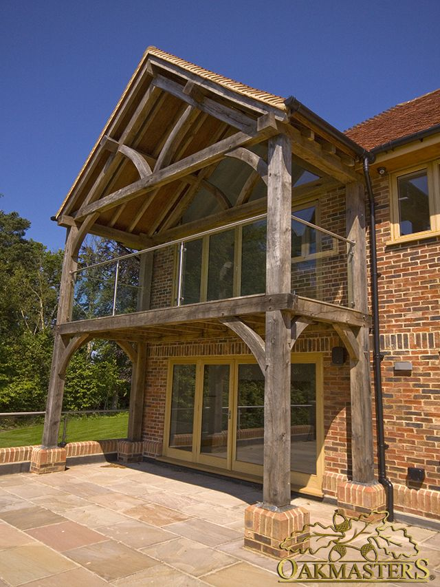 Traditionally crafted oak extension with beautiful balcony.