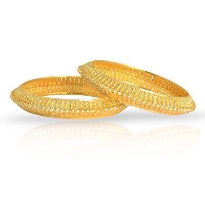 Lovely gold bangles... called tode..must have for mahrashtrian brides