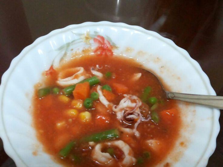 Simple squid tomato soup