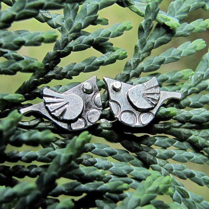 www.polandhandmade.pl Amade Studio - Dwa urocze ptaszki w formie sztyftów. Chętnie zaśpiewają Ci coś do ucha ;) - #polandhandmade #amadestudio #silverjewery #artisanjewelry #handmadejewellery #studearrings #silverbirds #bird