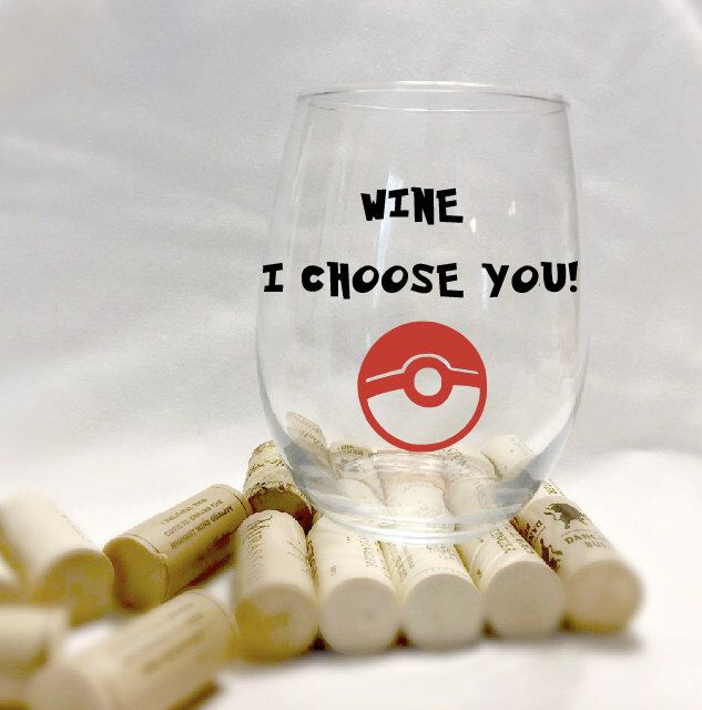 Pokemon wine glass- pokeball- nintendo video game- pokemon go- stemless wine glass- I choose you- 21st birthday gift- nerdy gift- geek gifts by CraftyCassondra on Etsy https://www.etsy.com/listing/267231308/pokemon-wine-glass-pokeball-nintendo