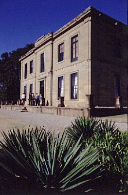Aberglasslyn is arguably the finest extant Greek Revival style villa (in the 18th century sense of the word) in Australia.  Image by: L. Kerr  Image copyright owner: Department of Urban Affairs and Planning