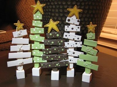 Popsicle Stick Christmas trees. Super cute!