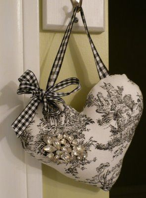 Kathys Cottage: Search results for hearts // Black Toile French Country