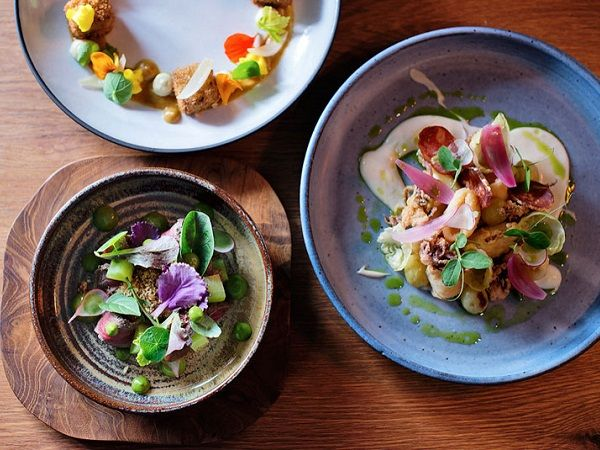 The best restaurants in Cape Town: Where to eat in 2017 http://www.eatout.co.za/article/best-of-cape-town-2/