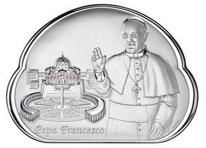 Srebrny obrazek z wizerunkiem Papieża Franciszka, w tle Bazylika Świętego Piotra, stanowi doskonały prezent dla młodej pary z okazji ślubu. #komunia #chrzest #rocznica