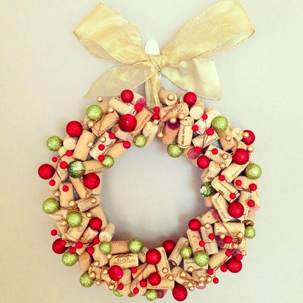 Ghirlanda natalizia con tappi di sughero n. 04